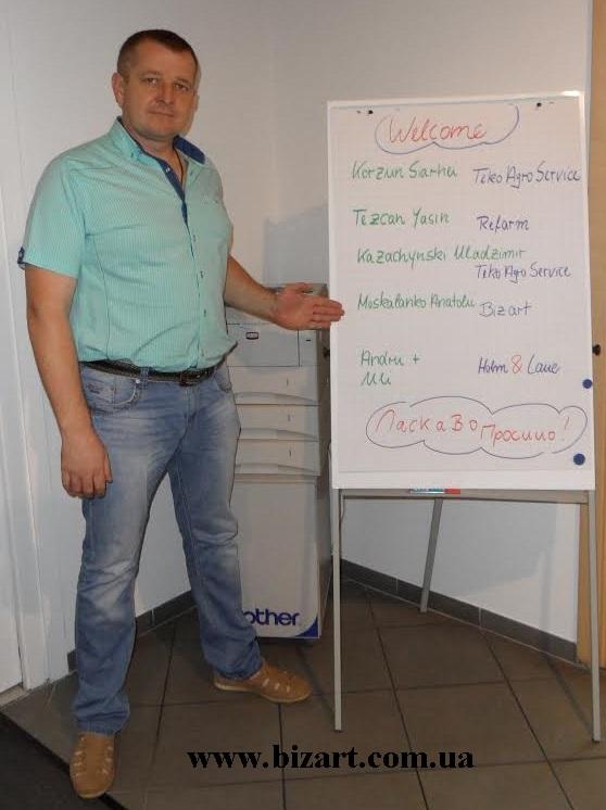 """Навчальний семінар з теми """"Обладнання для годівлі телят"""" від Holm&Laue"""