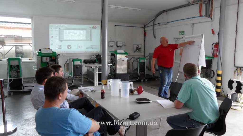 "Training workshop on the topic ""Equipment for feeding of calves"" from Holm & Laue"