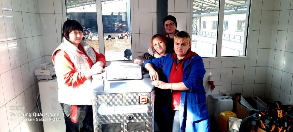 Система автоматической кормления телят компании H&L CalfExpert